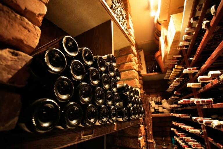 私たちはイタリアワインを愛しています