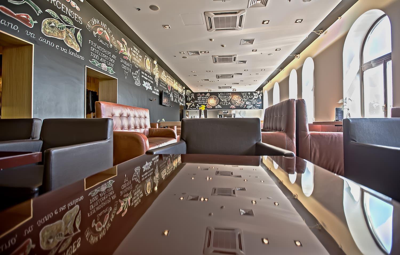 イタリアンレストラン ReGOO ゆったり空間
